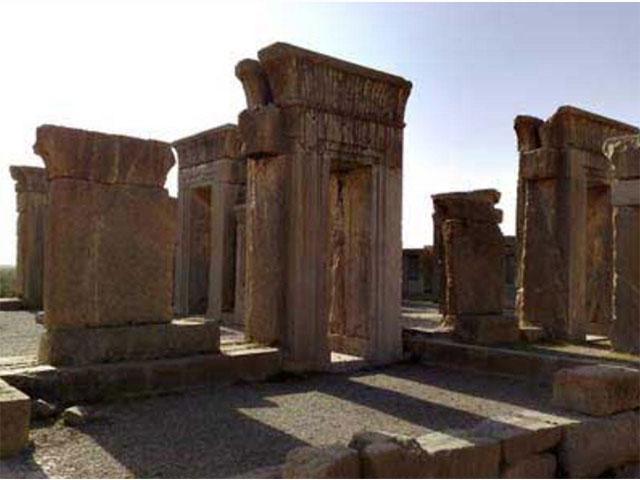 سیر فضائل اخلاقی از ایران به یونان